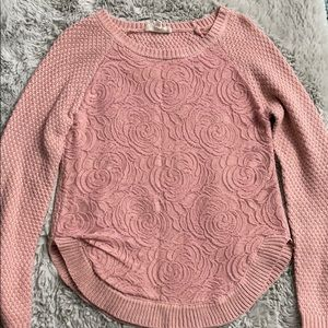 🌹Light pink sweater with Rose designs